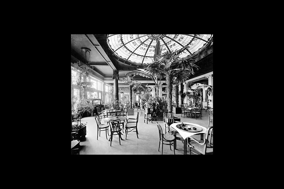 The Fairmont Empress - The Palm Court in 1910
