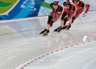 Men's Canadian Speedskating Pursuit winning gold for canada