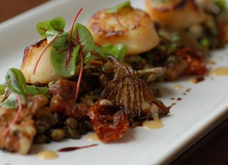 Seared Qualicum Scallops with Smoked Bacon and Puy Lentil Ragoût