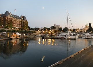 Beautiful night at the Fairmont Empress in Victoria, BC