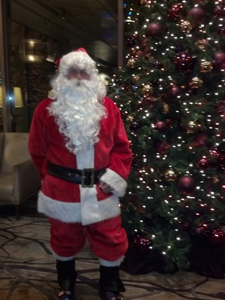 Santa brings joy & skis at Fairmont Chateau Whistler!