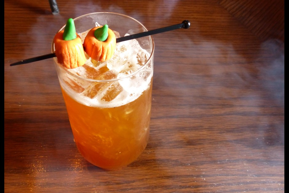 Caramel Candy Apple Cocktail