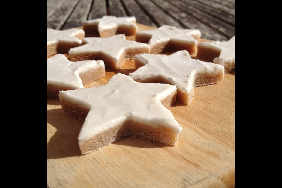 Cinnamon Star Cookie with Royal Icing