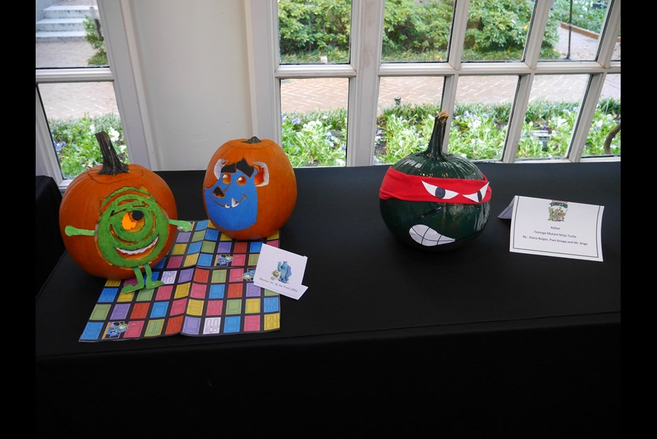 Fairmont Colleagues' Pumpkin Carving Contest 3
