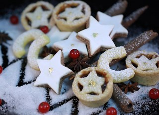 'Tis the Season... for Christmas Cookies!