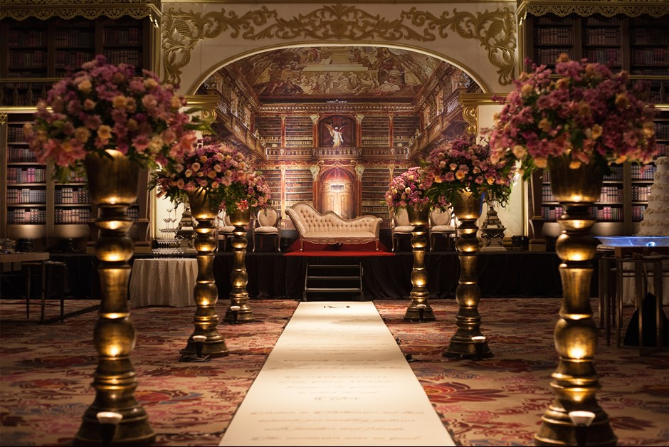 Melvin elsa wedding fairmont moments the grand ballroom decorated by bruba decoration junglespirit Image collections