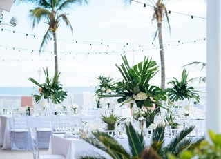 A Modern, Chic Bermuda Wedding