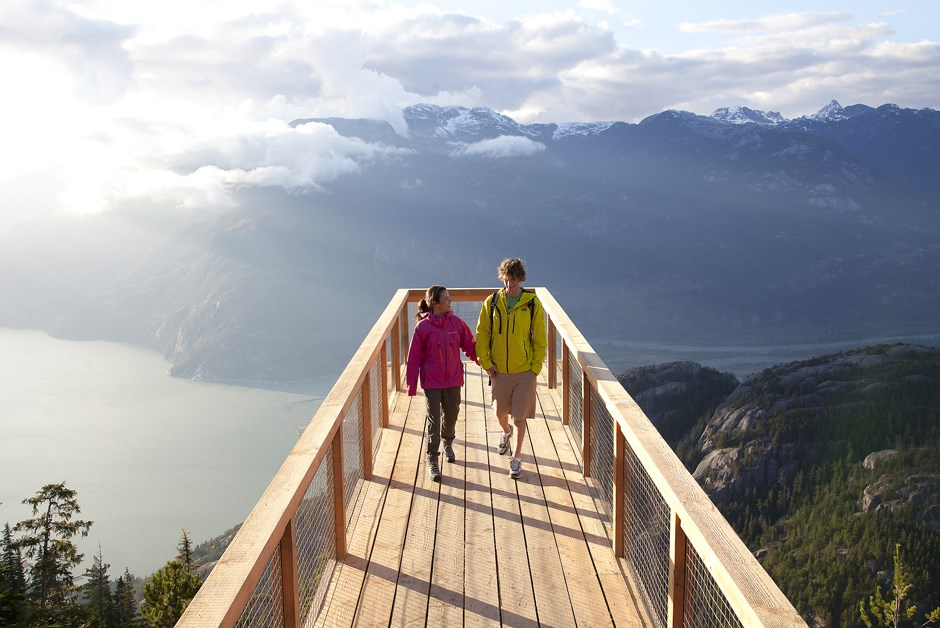 From Easy to Difficult: 5 Must-Do Summer Hikes Around Vancouver